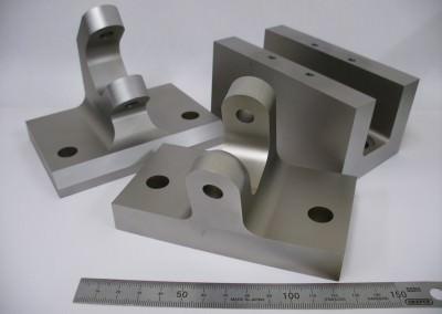 Suspension testing bracketry